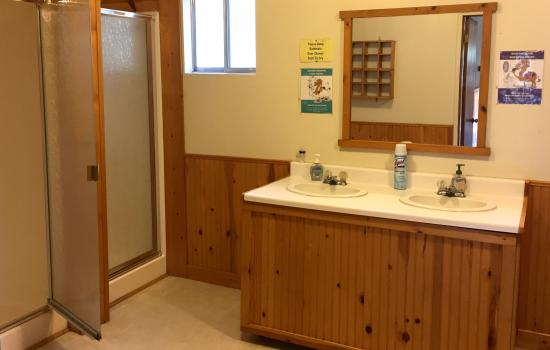 Indoor bathroom at Walton's Grizzly Lodge California Camp