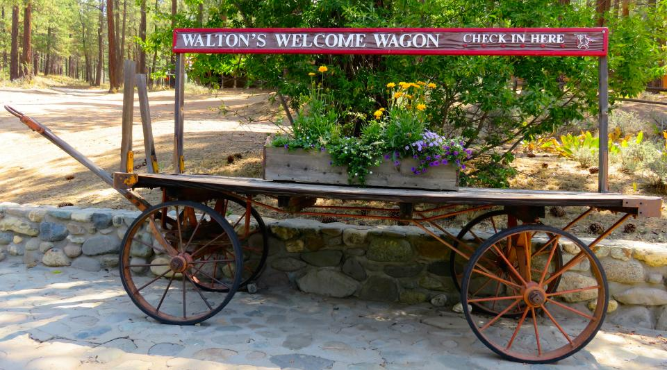 walton's welcome wagon camper check in