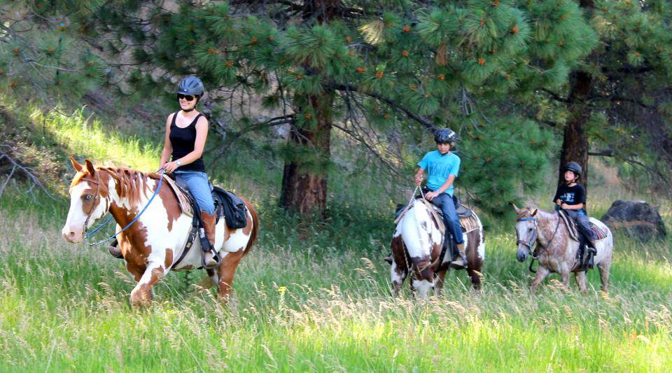 horseback riding at lake tahoe summer camps